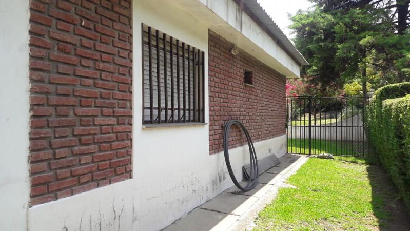 UNQUILLO: LINDA CASA 2 DORM Y PILETA - APTA CRED